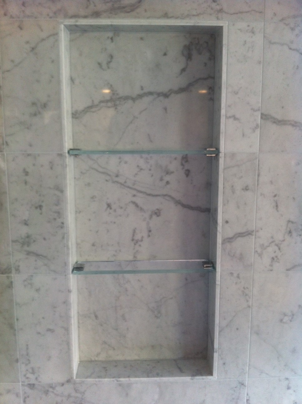 glass-shelves-in-shower